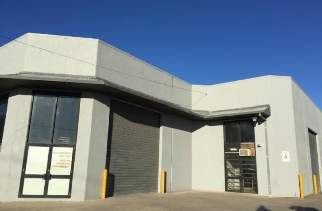 1/17 Carrington Drive, SUNSHINE VIC, 3020