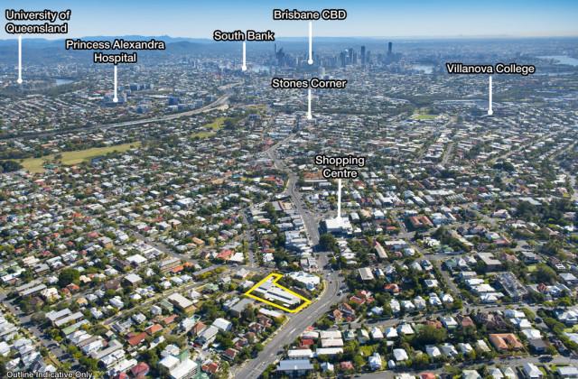 691 Logan Road, GREENSLOPES QLD, 4120