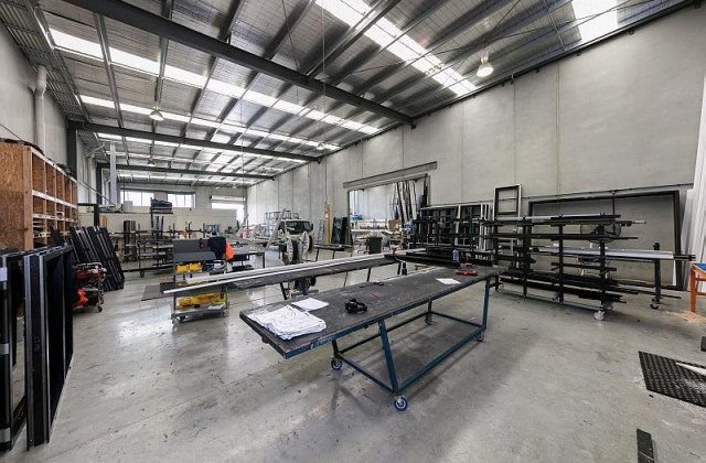 Unit 2 & 3/20 Decor Drive, HALLAM VIC, 3803