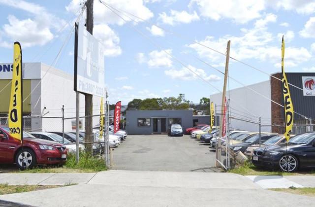 61 Logan River Road, BEENLEIGH QLD, 4207