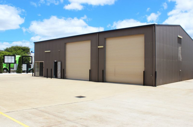 Unit 1/11 Rocla Court, GLENVALE QLD, 4350