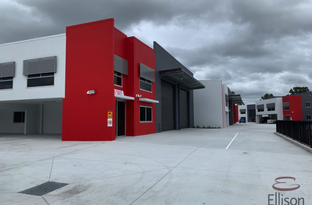 27 Motorway Circuit, ORMEAU QLD, 4208