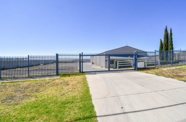 55 Corporation Ave, BATHURST NSW, 2795