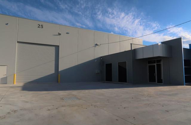 25 Superior Drive, DANDENONG SOUTH VIC, 3175
