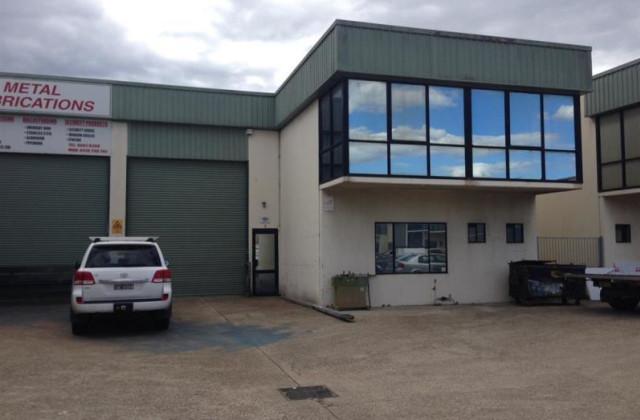 8-10 Deadman Road, MOOREBANK NSW, 2170