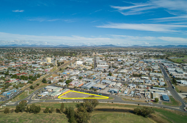 1 Ebsworth Street, TAMWORTH NSW, 2340