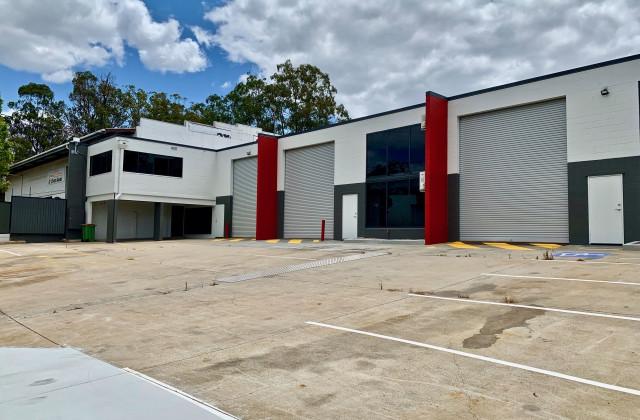 27 Tradelink Road, HILLCREST QLD, 4118
