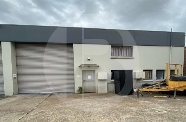 1/8 ARTISAN ROAD, SEVEN HILLS NSW, 2147