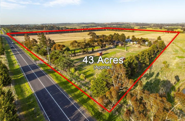 250 Wildwood Road, BULLA VIC, 3428
