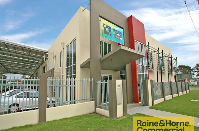 Office/35 Grice Street, CLONTARF QLD, 4019