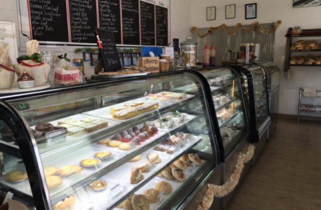 Mossman Bakery/37 Front Street, MOSSMAN QLD, 4873