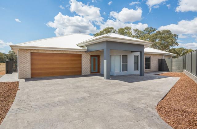 120 Warrah Drive, TAMWORTH NSW, 2340