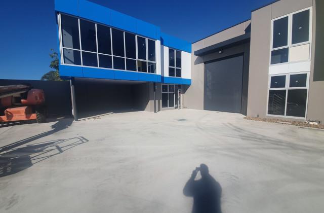 4/9-11 Industrial Circuit, CRANBOURNE WEST VIC, 3977
