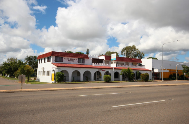 164-166 Charters Towers Road, HERMIT PARK QLD, 4812