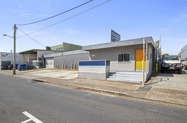 11 Mountjoy Street, WOOLLOONGABBA QLD, 4102