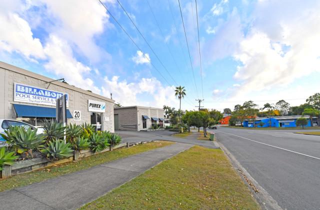 Units 1&4/18-2 Rene Street, NOOSAVILLE QLD, 4566
