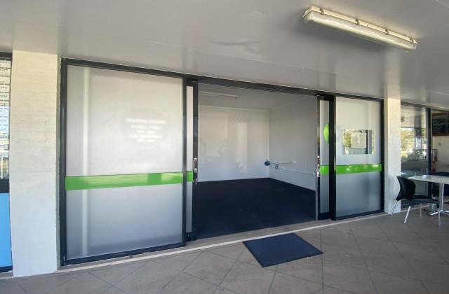 Shop 2/221 Dawson Highway, CLINTON QLD, 4680