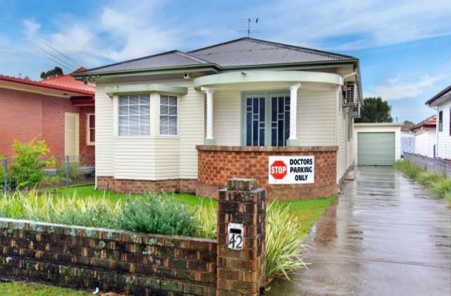 42 Baan Baan Street, DAPTO NSW, 2530