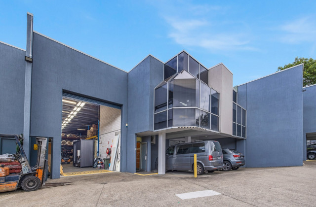 2/91-93 Old Pittwater Road, BROOKVALE NSW, 2100