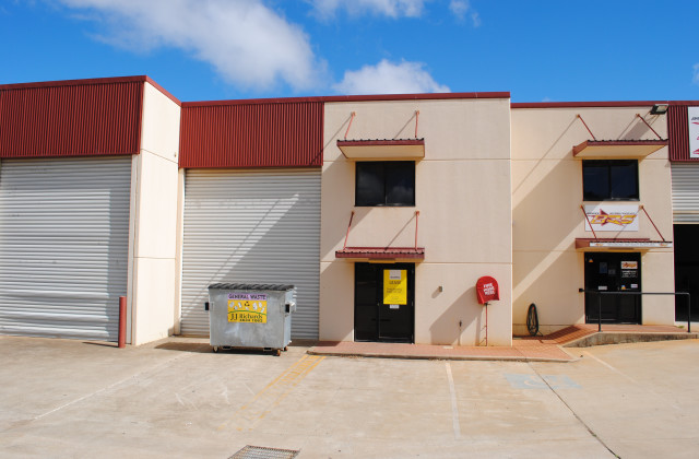 Unit 2/14 Civil Court, HARLAXTON QLD, 4350