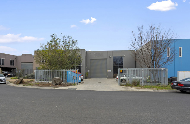 4 Centro Court, BROOKLYN VIC, 3012
